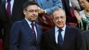 Josep Maria Bartomeu y Florentino Pérez, el domingo en el Camp Nou.