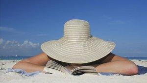 Lectura en la playa