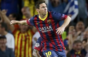 Messi celebra un tanto, en el partido ante el Ájax holandés.
