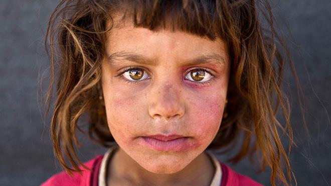 Son niños, son sirios, son refugiados, y te miran a los ojos para contarte sus sueños