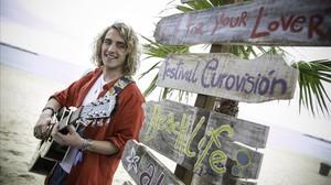 Manel Navarro, en Barcelona, un día antes de partir hacia Kiev para participar en Eurovisión.