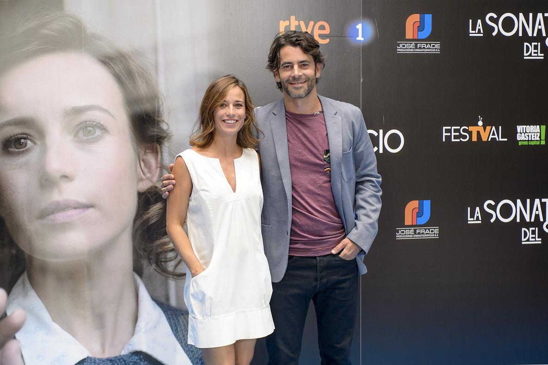 Marta Etura y Eduardo Noriega, en la presentación de La sonata del silencio, de TVE, en el Festival de Televisión de Vitoria.