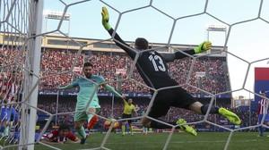 Messi, el máximo goleador de la Liga, frente a Oblak, el portero menos batido, en un Atlético-Barça en el Calderón.