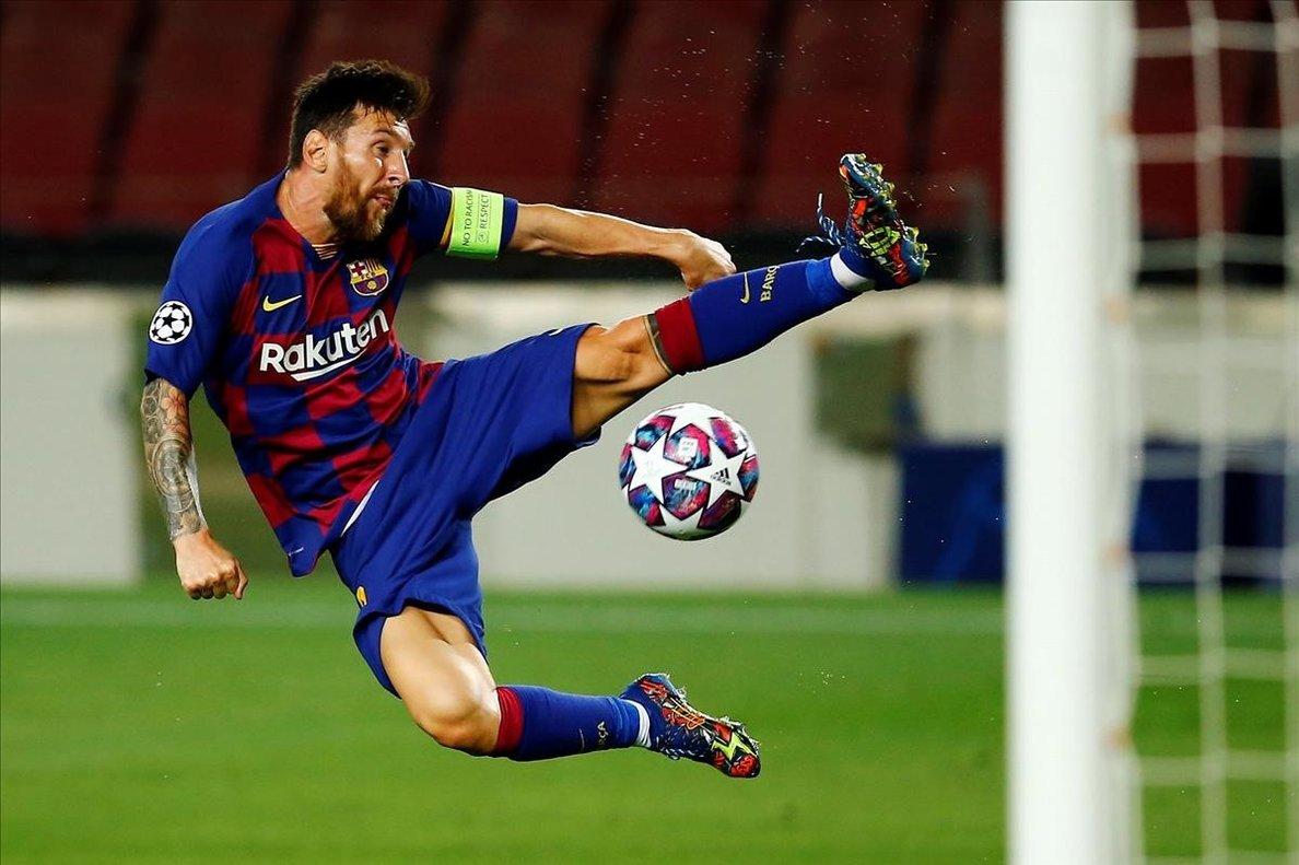 Messi, en una acción ante el Nápoles.