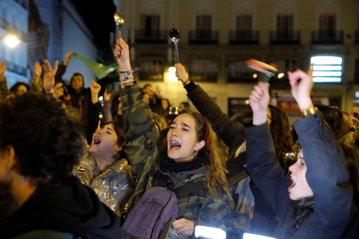 Mujeres protestando porlas desigualdades y violencias en su contra.
