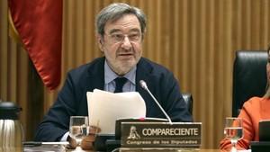 El expresidente de Caixa Catalunya, Narcís Serra, en la comisión de investigación de la crisis en el Congreso.