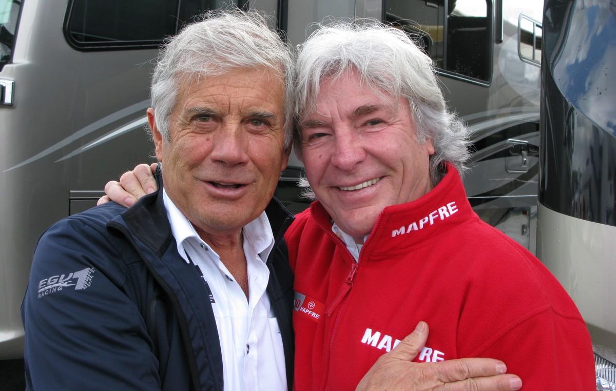 Nieto y Agostini, abrazados.