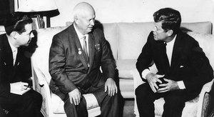 Nikita Khrushchev y John Fitzgerald Kennedy, en Viena en 1961.