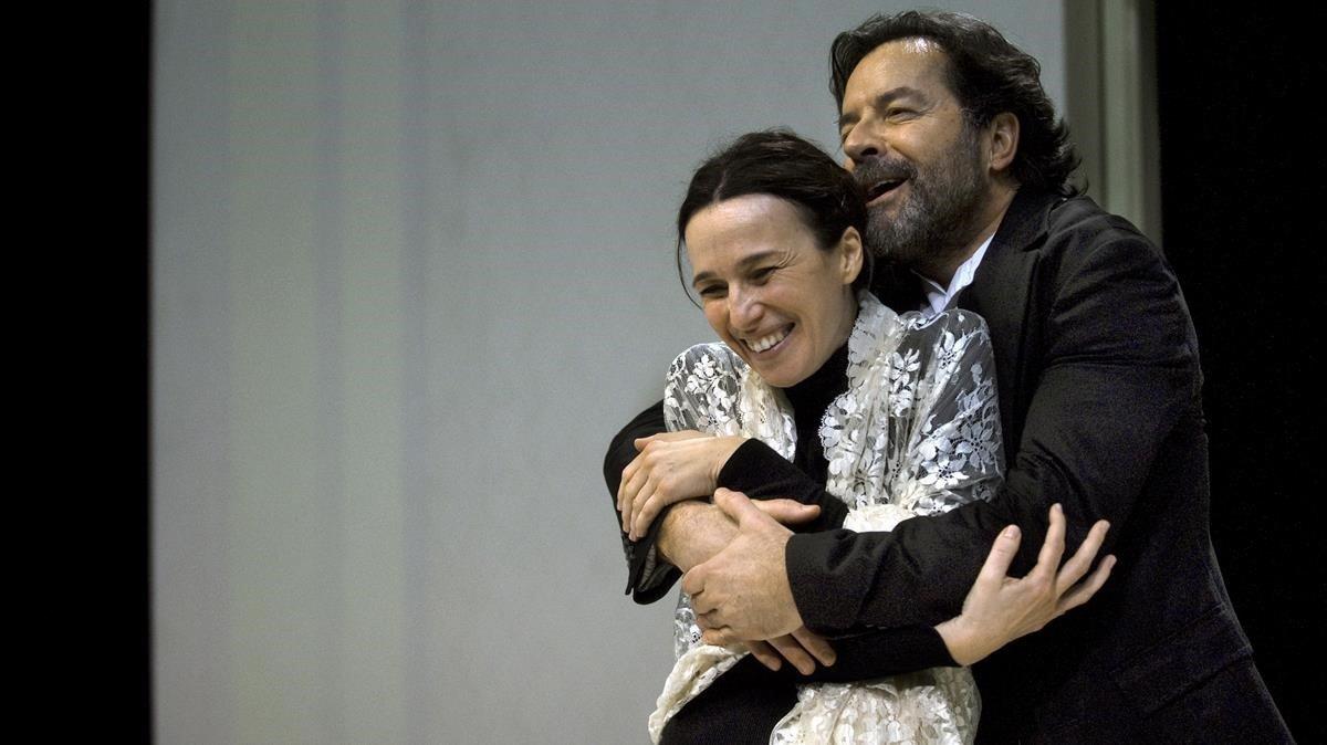 Ariadna Gil y Abel Folk, como el señor Rochester en Jane Eyre: una autobiografía.