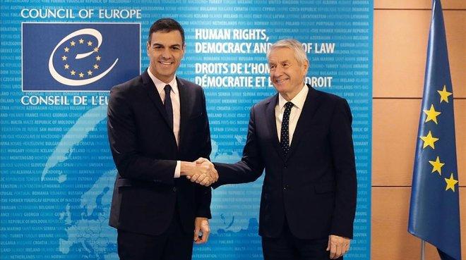Pedro Sánchez y el secretario general del Consejo de Europa, Thorbjorn Jagland, en Estrasburgo