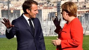 El presidente francés, Emmanuel Macron, y la cancillera Angela Merkel en Marsella.