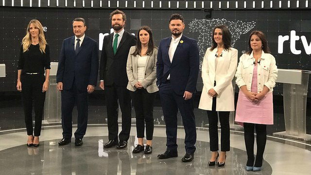 ¿Cuánto mide Irene Montero? - Altura Primer-debate-portavoces-partidos-politicos-elecciones-noviembre-2019-rtve-noviembre-del-2019-1572641840069