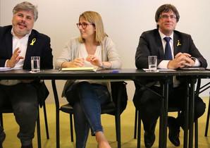 Albert Batet, junto a Elsa Artadi y Carles Puigdemont en Berlín.