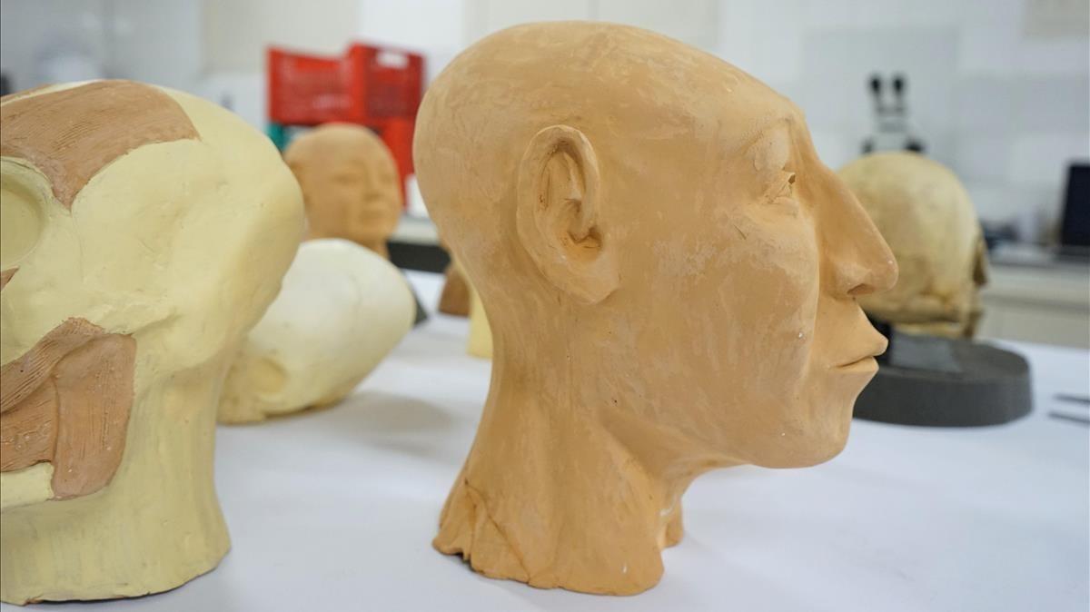 Reconstrucción del busto de un antiguo poblador de Tihuanaco.