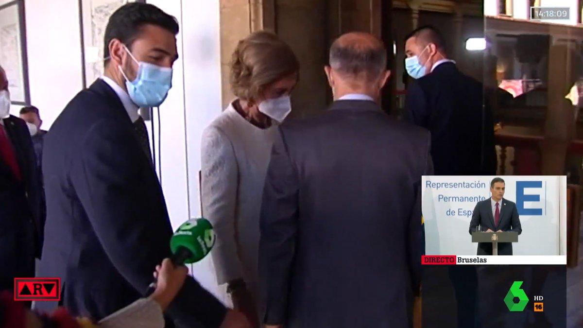 La reacción de la reina Sofía ante las cámaras de laSexta al ser preguntada por Juan Carlos I
