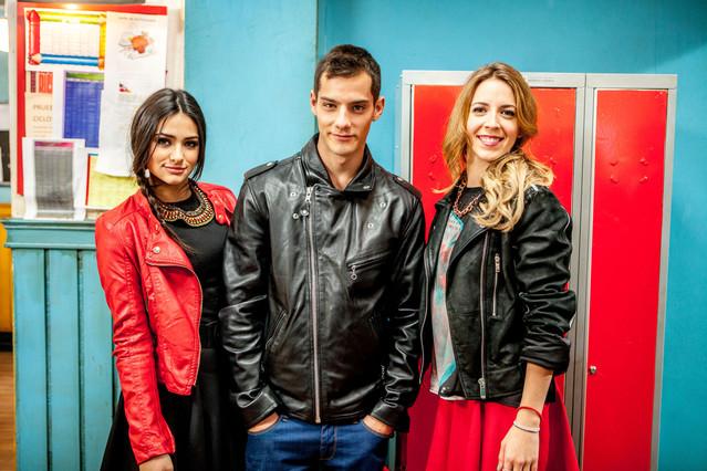 Renata Notni, Joel Bosquet y Andrea de Pablos, en la serie 'Yo quisiera'.