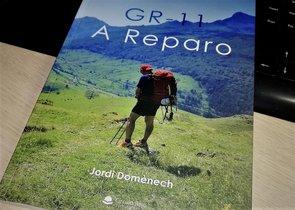 'GR 11. A reparo', el primer libro del paretano Jordi Domènech.