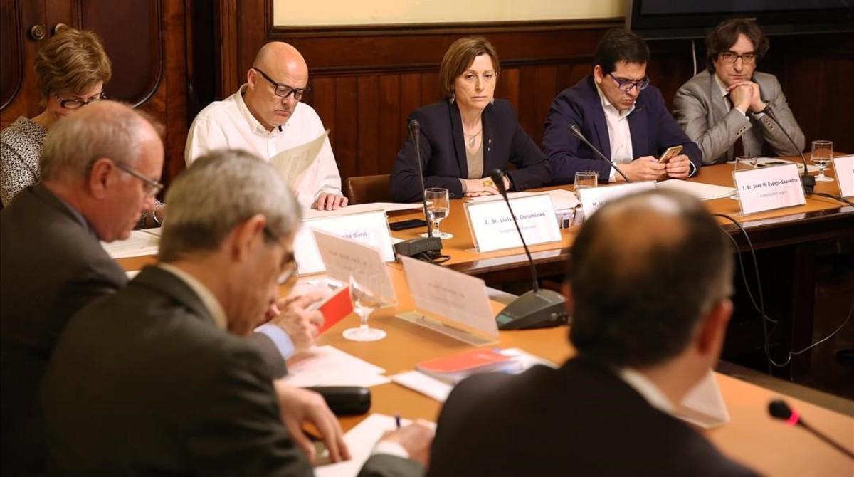 Un momento de la reunión de la ponencia,este jueves en el Parlament.