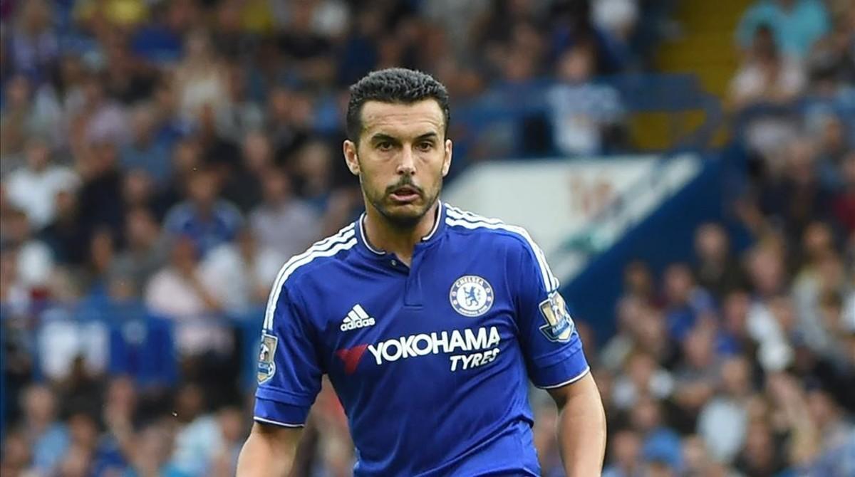Pedro, con máscara, en el último entrenamiento del Chelsea.