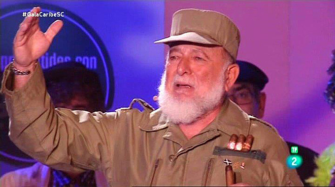 Fidel Castro (Antonio Meseguer), en los Carnavales de Santa Cruz de Tenerife, retransmitidos porLa 2 de TVE.