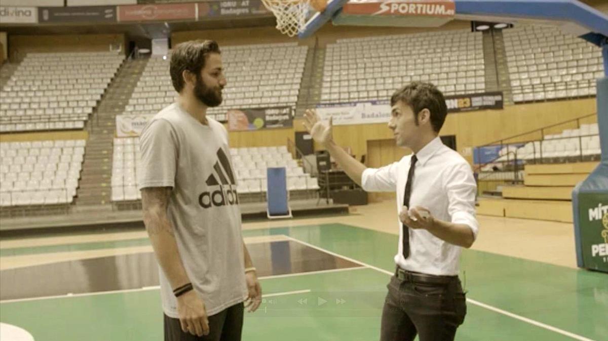 Ricky Rubio y el ilusionista Antonio Díaz, en el programa de TV-3 Res és impossible.