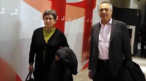 Teresa Cunillera, junto a Pere Navarro, exlíder del PSC, a comienzos del 2014 en la sede del PSOE.