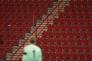 Una imagen de gradas vacías en un partido de la Bundesliga en Berlín