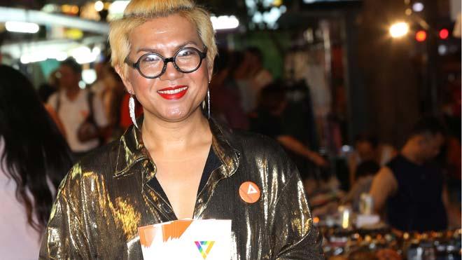 Una transexual se presenta por primera vez como candidata al Parlamento de Tailandia. En la foto,Tawarin Sukkhapisit.