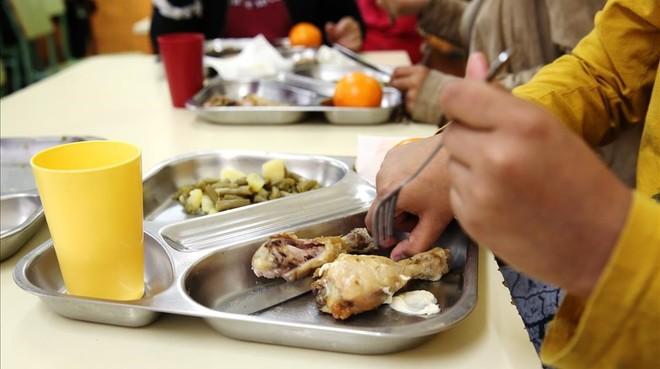 Educació prorroga el decret de menjadors almenys fins al 2020