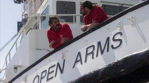 """Camps desatén a Salvini: """"De la presó se'n surt, del fons del mar no"""""""