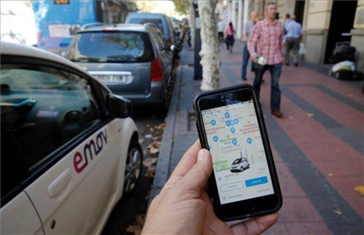 Elcarsharing, o alquiler de coches eléctricos por minutos, es una opción que gana cada vez más adeptos en nuestro país.