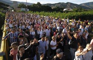 El éxodo obedece a la crisis política, económica y social que atraviesa Venezuela.