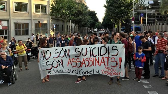 zentauroepp43757256 manifestacion suicidio cornella180614204359