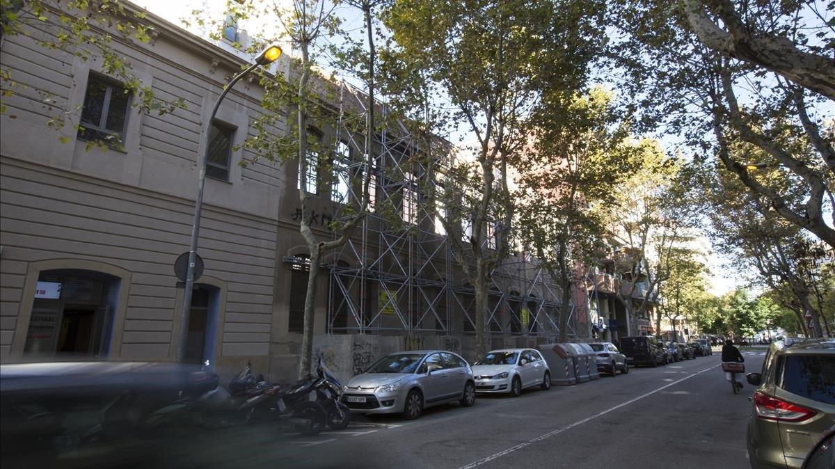 Foto de la fàbrica ElCànem, cuya demolición se está preparando.