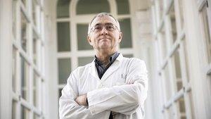 El investigador Elías Campoen el Hospital Clínic, la semana pasada.