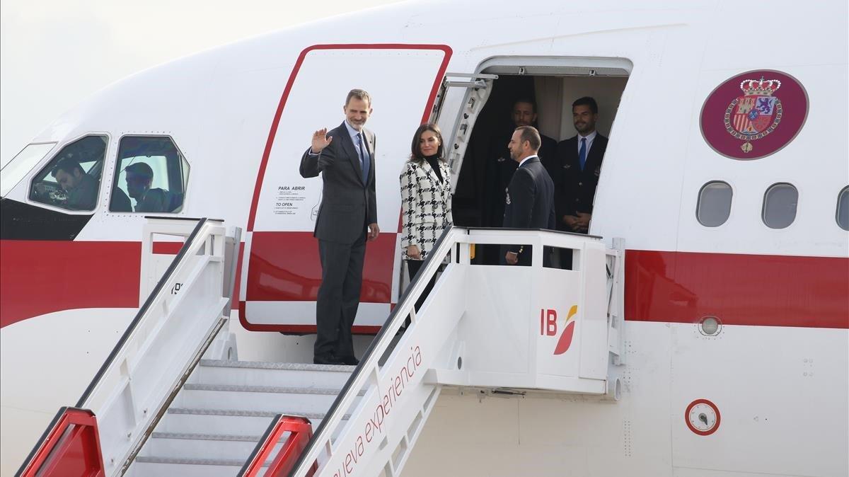 Els Reis viatgen a Cuba en plena incertesa política