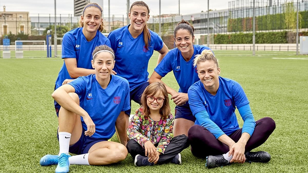 El equipo femenino del Barça, con Martina.