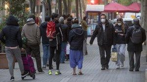 Cinc milions de persones al dia surten del confinament pel coronavirus a comprar
