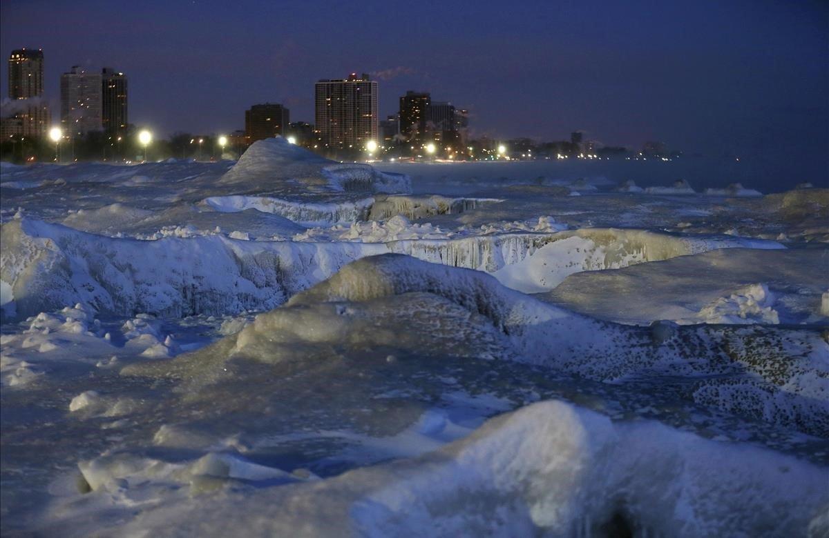 Una congelación en el Ártico envolvió al Medio Oeste con temperaturas negativas récord.