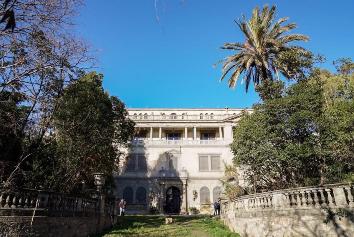 Vista del palacete señorial de la finca Ravetllat-Pla, de 2.500 metros cuadrados, construido en Barcelona en los años treinta para acoger el Instituto Ravetllat-Pla, que funcionó como laboratorio farmacéutico hasta los años setenta.