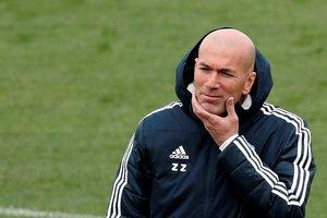 Zidane durante el último entrenamiento del Madrid.