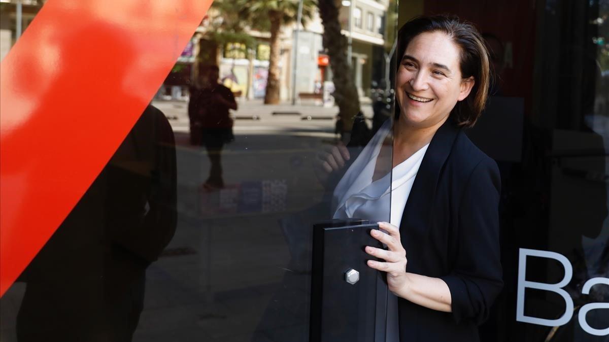 Ada Colau, este viernes, antes de la rueda de prensa en la que anunció el resultado de la consulta a las bases de los 'comuns'.