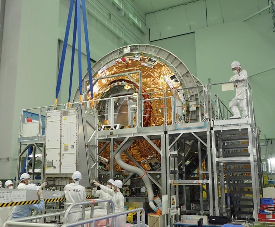 El Advanced Closed Loop System (ACLS, sistema avanzado en bucle cerrado), es un demostrador tecnológico que purificará el aire y producirá oxígeno en la Estación Espacial Internacional que sido desarrollado por Airbus para la Agencia Espacial Europea(ESA).