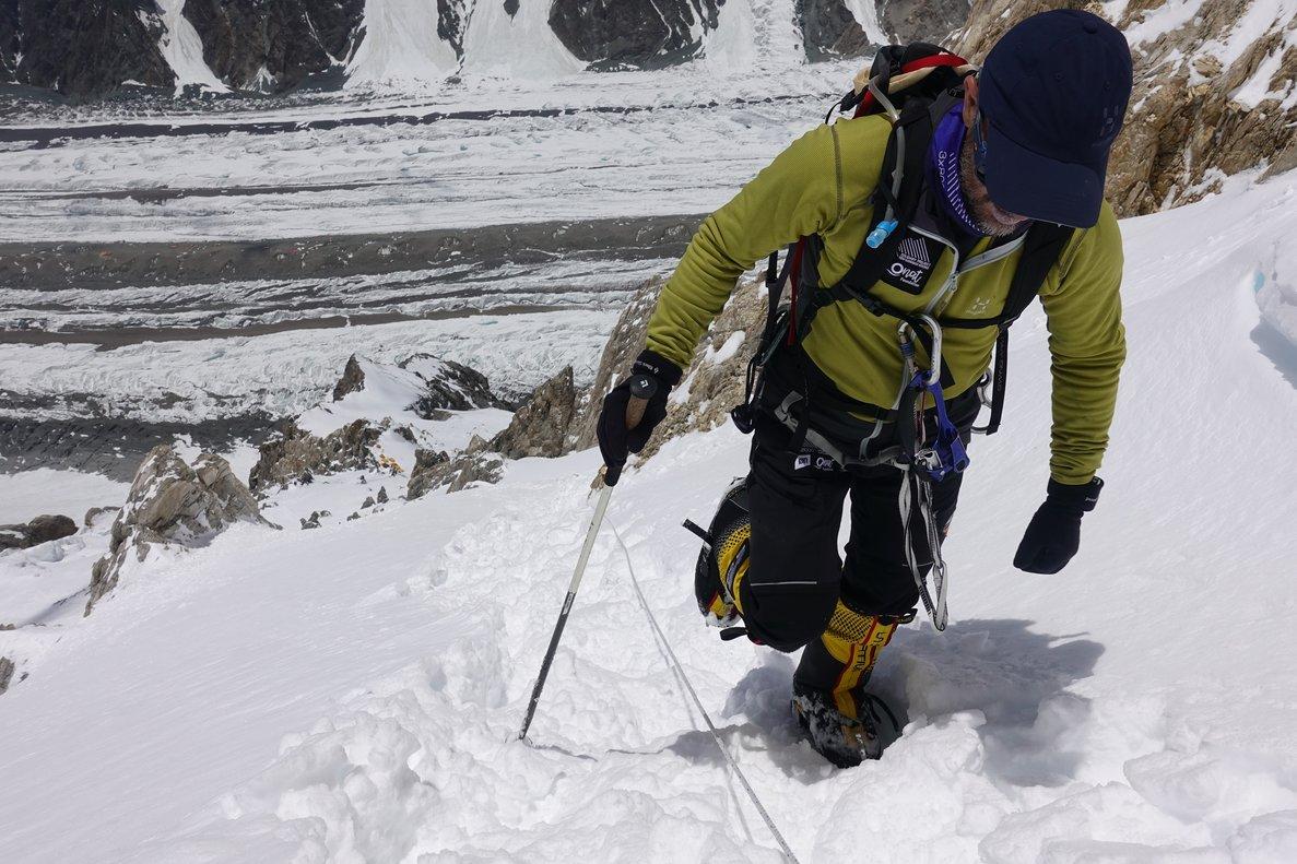El alpinista paretano Sergi Mingote renuncia al Everest