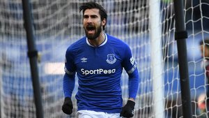 André Gomes celebra un gol con el Everton.