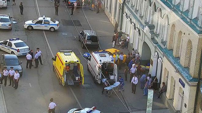 Un conductor arrolla a un grupo de personas en pleno centro de Moscú