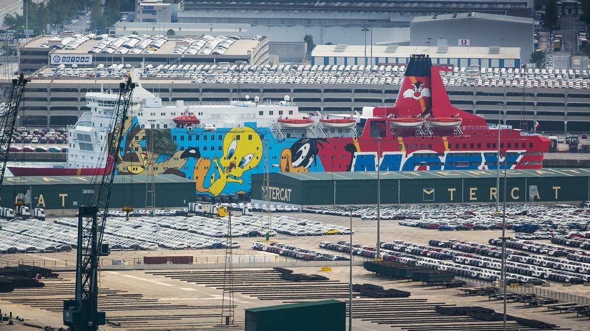 El barco de la Policía Nacional, atracado en el puerto de Barcelona, en septiembre del año pasado.