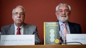 Camilo Jose Cela Conde, hijo del escritor, y Darío Villanueva, director de la Real Academia Española.