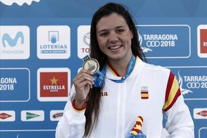 Corró posa con el oro de la final de 400 estilos de los Juegos Mediterráneos 2018