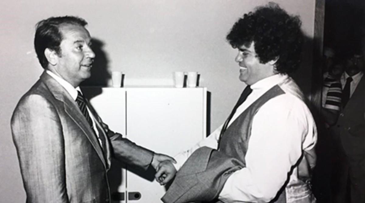 Cyterszpiler junto al entonces presidente del FCB, Josep Lluís Nuñez.
